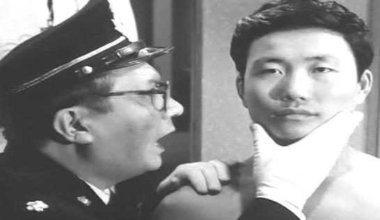Death by Hanging - Fumio Watanabe as the Education Officer and Yun-Do Yun as the condemned man, R