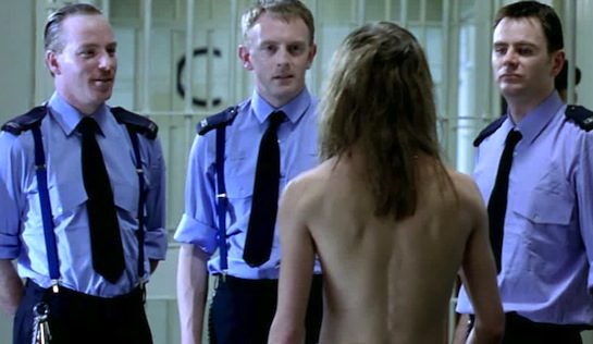 H3 - Prison Officer Morton (Mark McCrory, centre) confronts Seamus Scullion (Brendan Mackey)