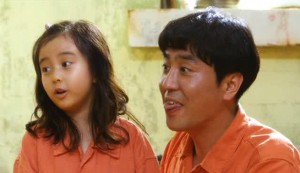 Miracle in Cell No. 7 #2 - Kal So-wan as Ye-sung and Ryu Seung-ryong as Lee Yong-gu