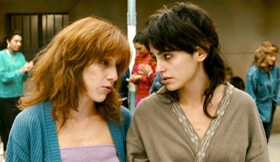My Prison Yard - Violeta Pérez as Rosa and Verónica Echegui as Isa
