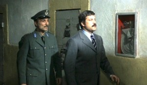 Revolver #2 - Calisto Calisti as Maresciallo Fantuzzi and Oliver Reed as Vito Cipriani
