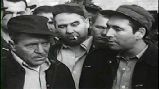 State Penitentiary - Roger Manners (Warner Baxter, left) under pressure